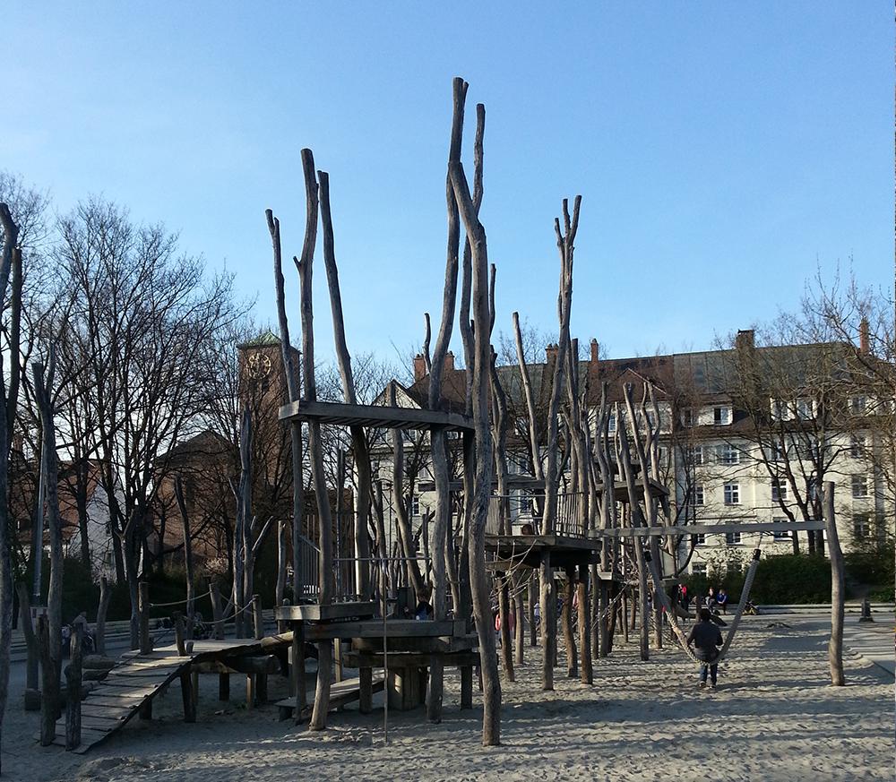 georgfreundorferplatz_affenspielplatz