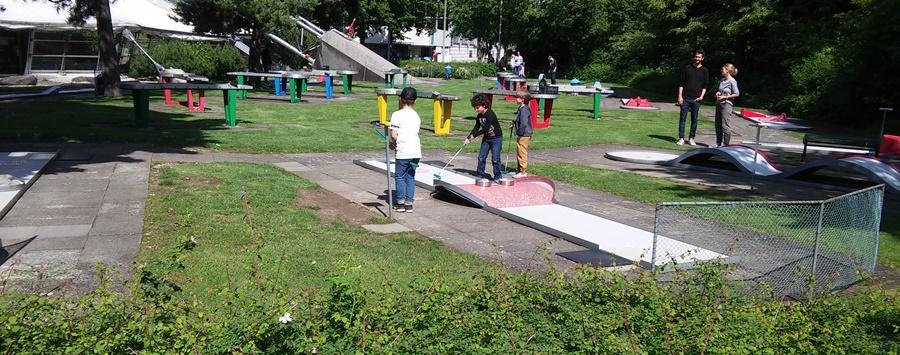 ideas4parents-minigolf-olympiapark-spiel-bewegung-spaß-3