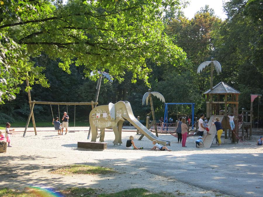 ideas4parents-koeniglicher-fahrradausflug-spielplatz-hirschgarten