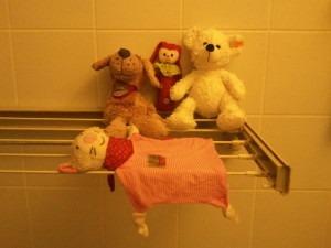ideas4parents-baby-spiel-entwicklung-1.monat-1.png